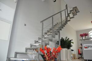 Nasza realizacja nowoczesnych schodów dla jednej z firm