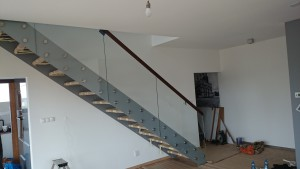 Konstrukcja schodów nowoczesnych wewnątrz domu